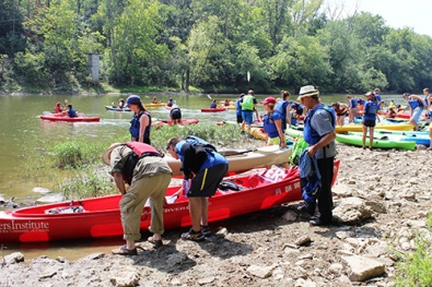 River Stewards launchin canoes